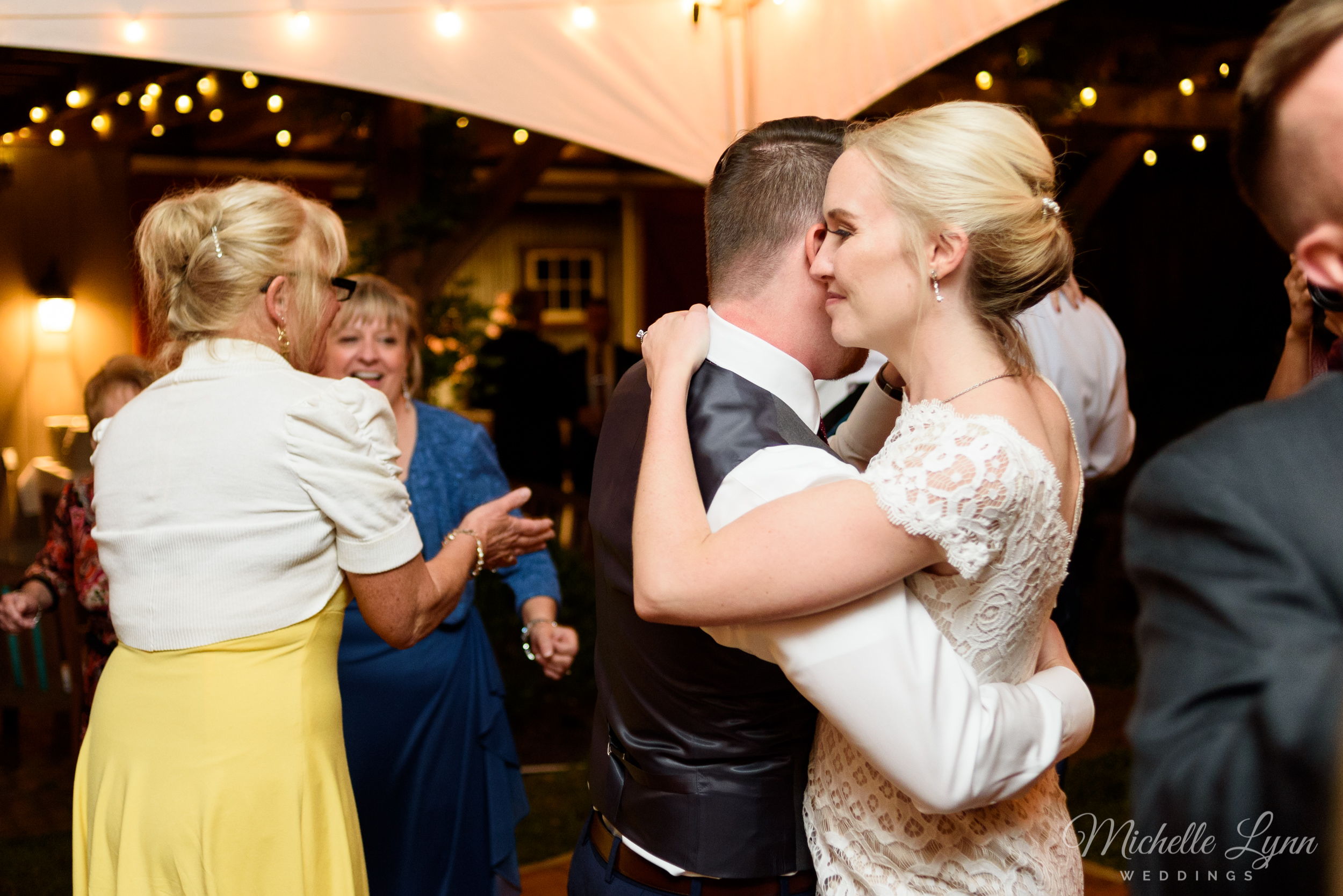 mlw-lumberville-general-store-new-hope-wedding-photographer-79.jpg