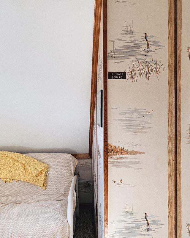 Rodanthe #airbnb corner 📚🦆🌊