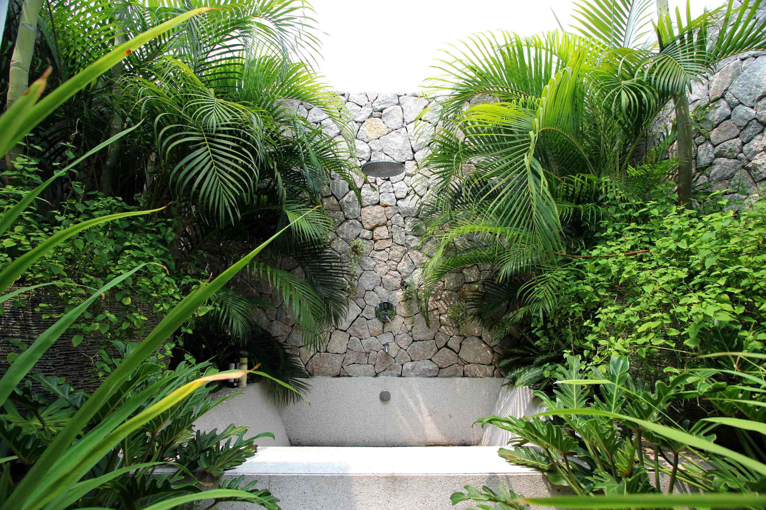 Villa EXHALE - outdoor shower SM.jpg