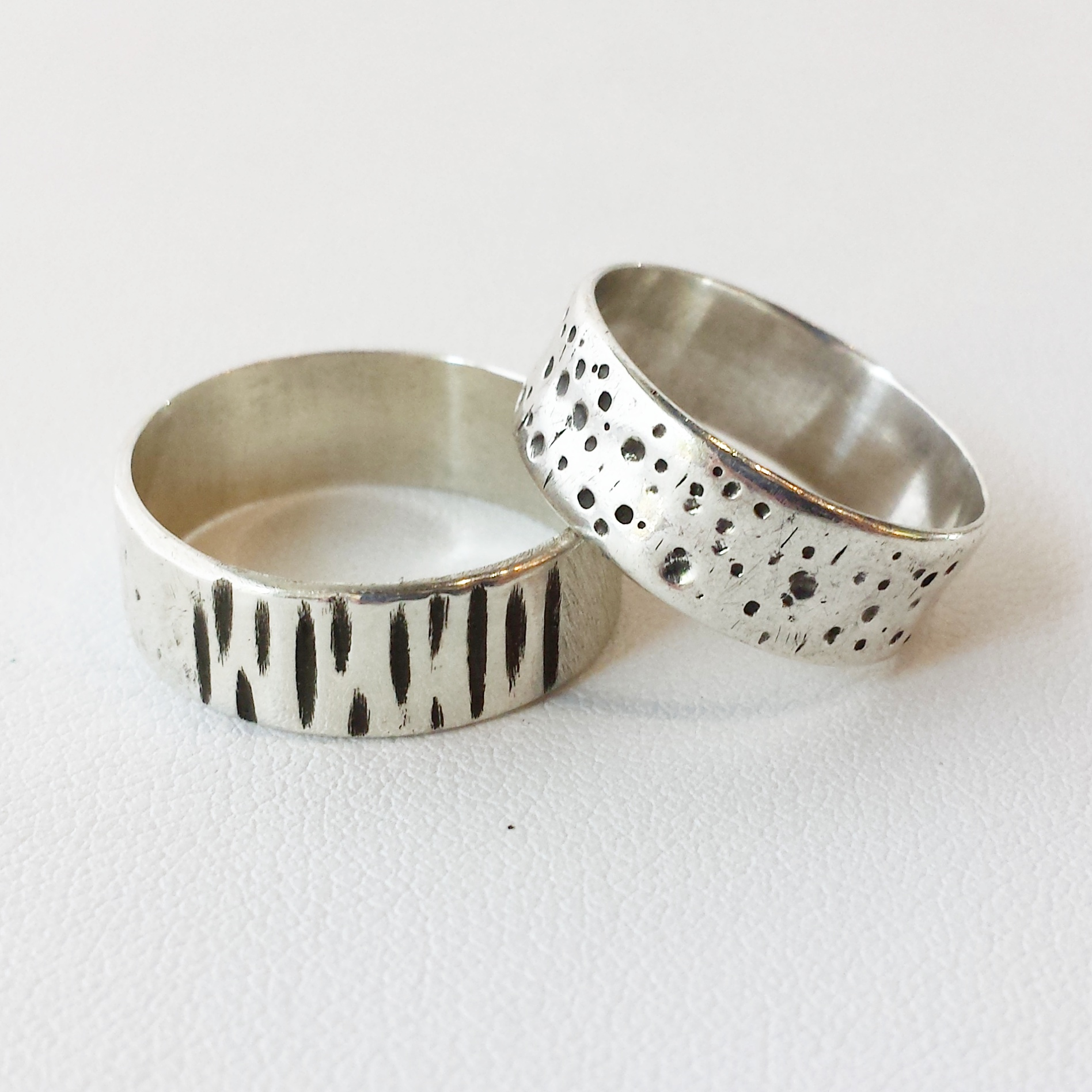 TEXTURED BAND RING    October 29, Saturday 12:00pm-3:00pm    December 4, Sunday 11:00am-2:00pm