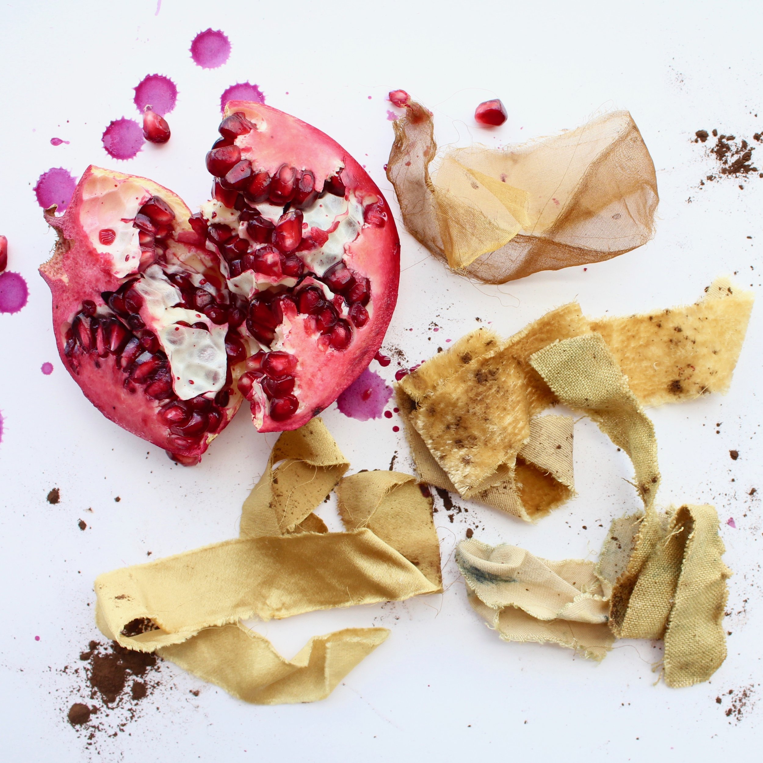 Pomegranate  Pomegranate skins will yield gold tones to earthy army greens. It can also be used as a mordant.