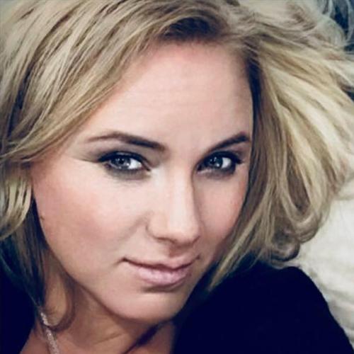 Elena   Zaakvoerster van Beauty Pro Mechelen.  Schoonheidsspecialiste