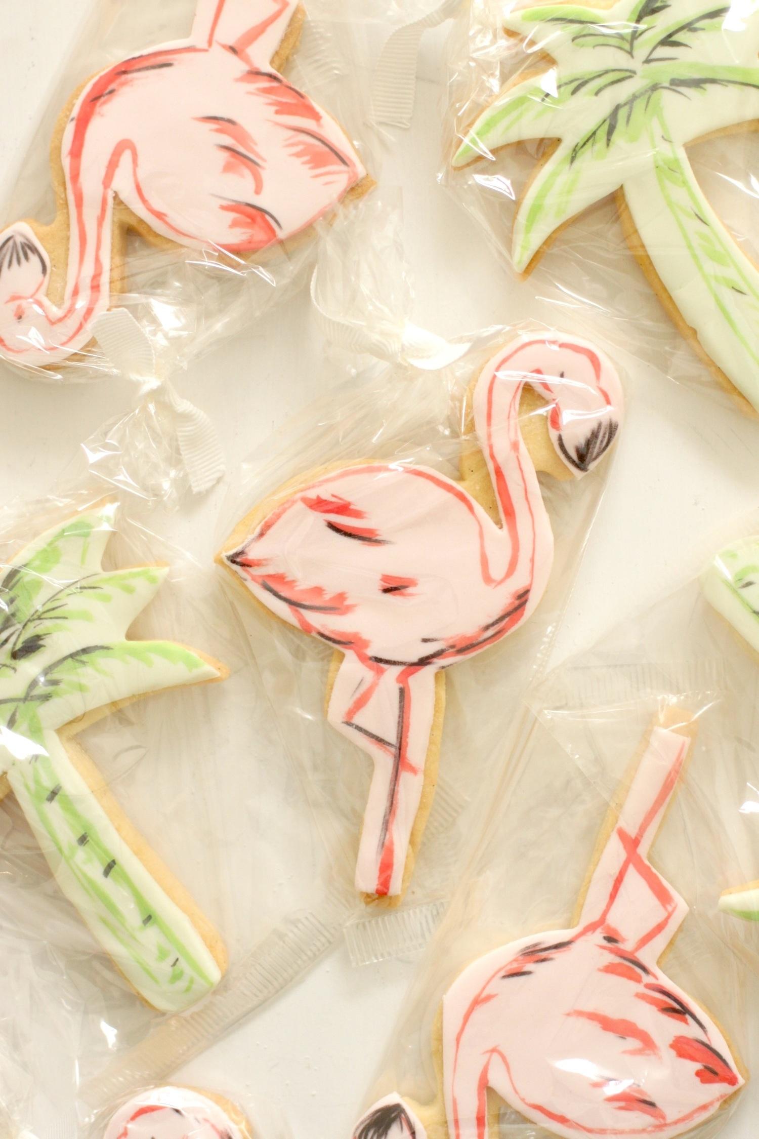 flamingo cookie 2.jpg