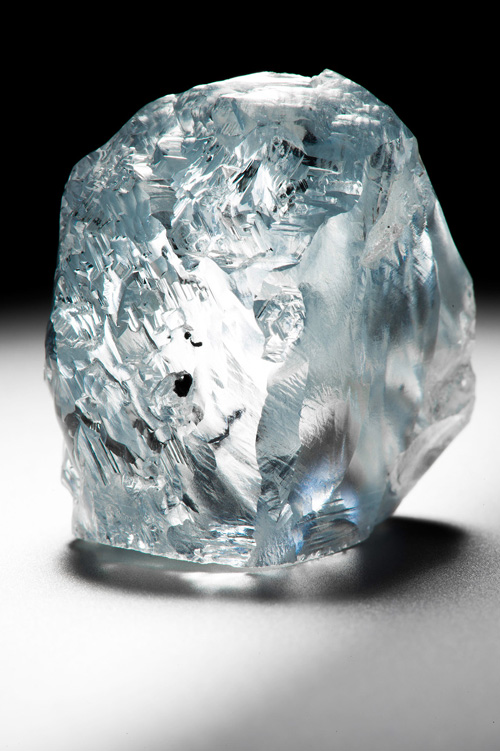 The rough stone from which the Cullinan Dream was cut, weighing an astonishing 122.52 carats.