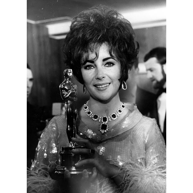 Elizabeth Taylor wearing the necklace in 1965 after winning her Oscar for 'Who's afraid of Virginia Woolf'.