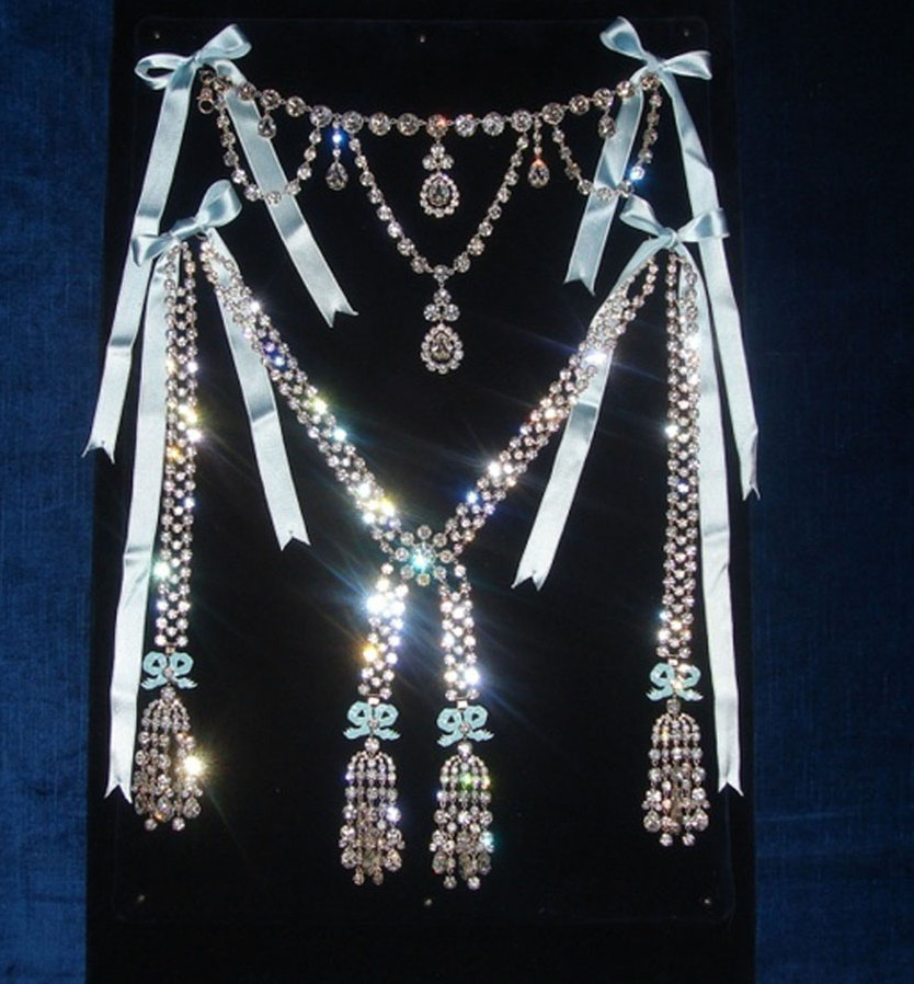 The fuse that lit a Revolution: A replica of the diamond necklace by Boehmer and Bassenge. Turned down by Marie Antoinette and all the other crowned heads of Europe, this piece cemented France's hate against the Queen.
