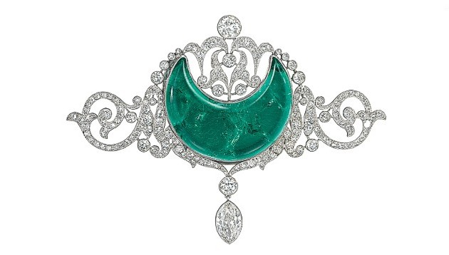 The magnificent and beautiful emerald that Anita Delgado was given by her husband, the Maharaja of Kapurthala, as a reward for learning Urdu.