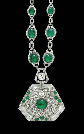 Rock crystal and emerald necklace presented by the Maharaja of Kapurthala to his wife Anita in 1925. The cracks in the marriage were irreparable at the time this jewel was gifted, as they divorced the same year.
