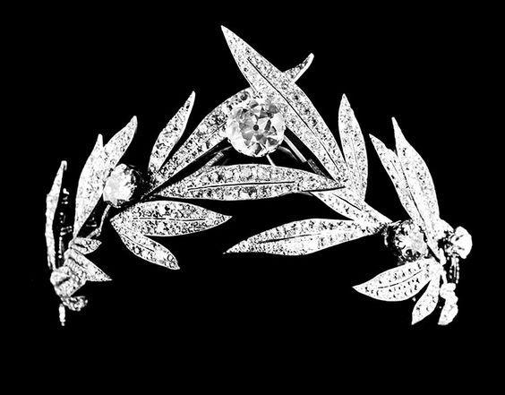 Belle Epoque diamond wreath tiara by Chaumet, c. 1885.