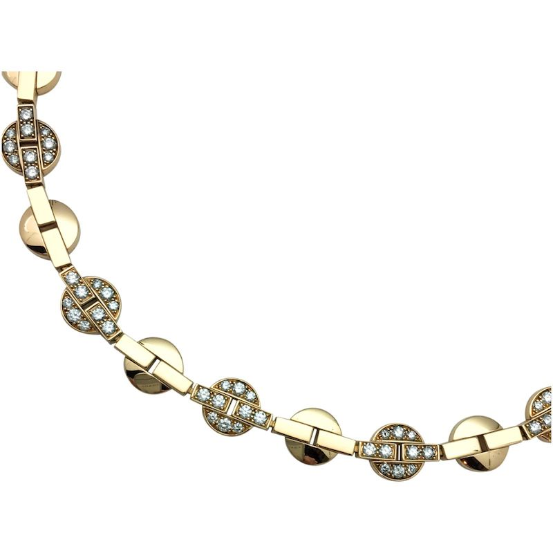 Detail showing the clasp section of Cartier's Himalaia bracelet. The clasp has been ingeniously hidden.
