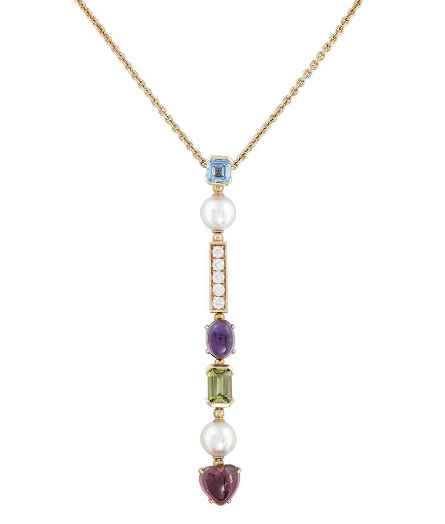 Articulated jewellery, such as this Bvlgari necklace, should have properly soldered jump rings and move fluidly.