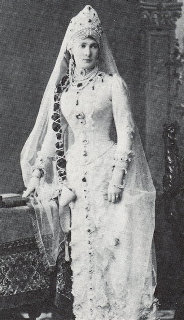 A rare photograph of a young Grand Duchess Vladimir wearing the necklace, the brooch clearly pinned to the front.