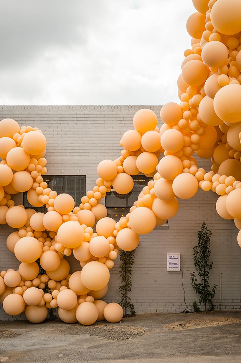 geronimo-balloon-diminishing-elation-dezainaa-07.jpg