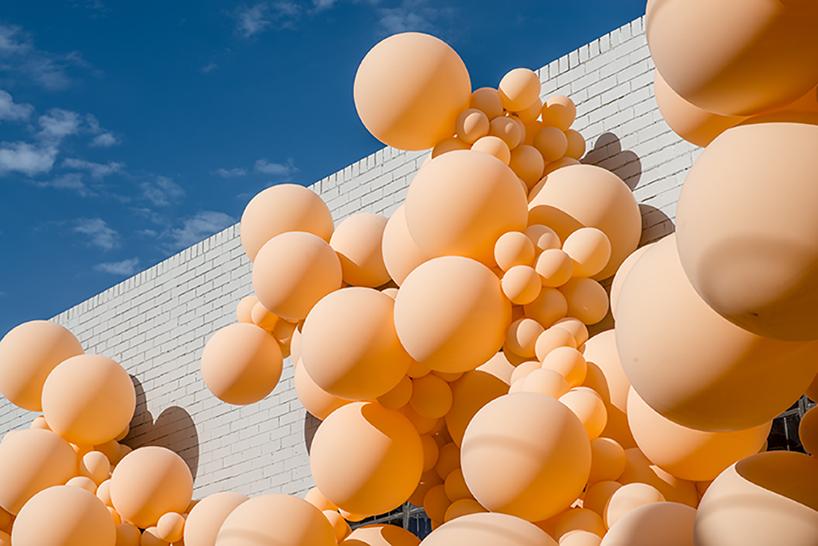 geronimo-balloon-diminishing-elation-dezainaa-05.jpg