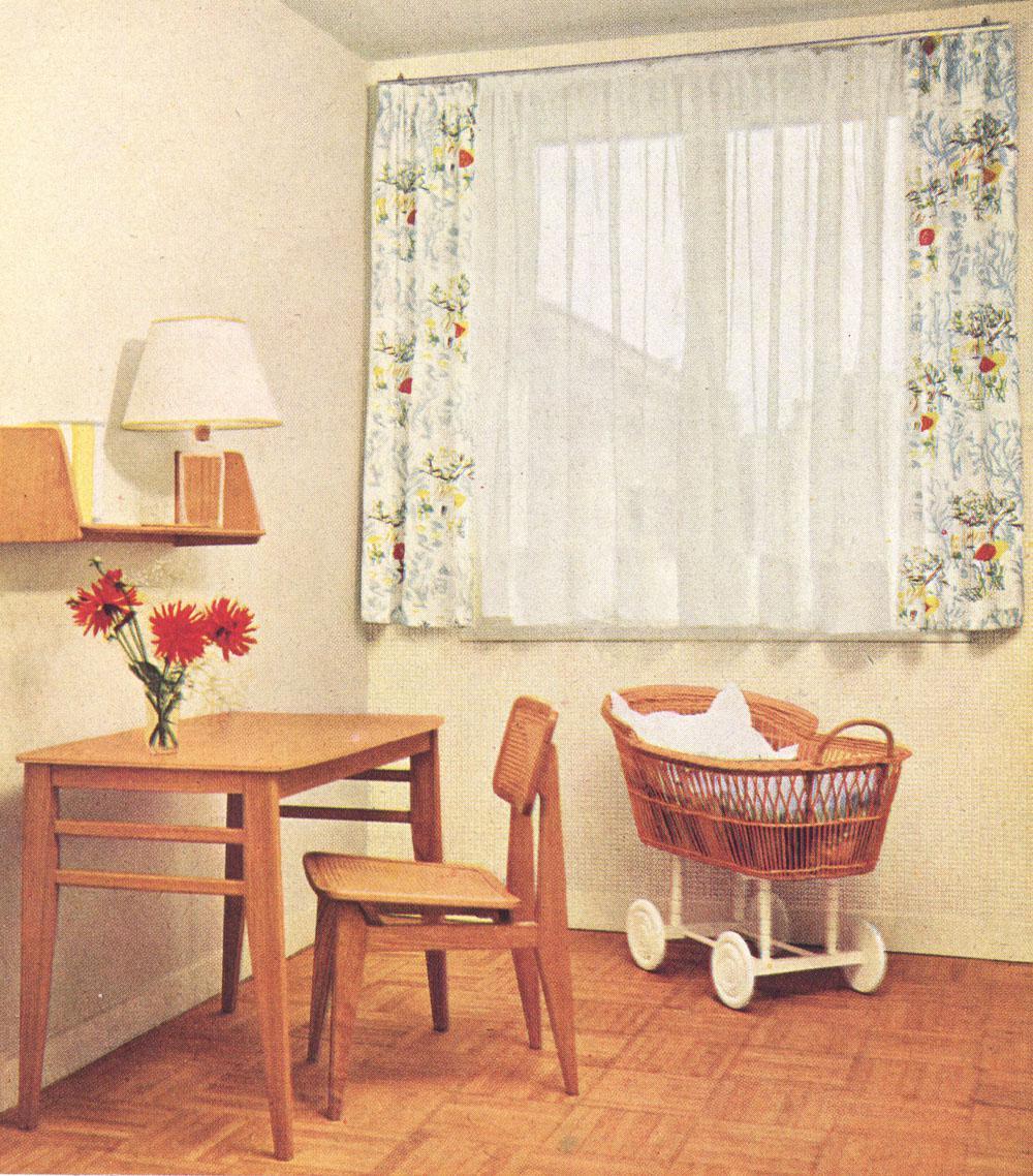 gascoin_52-12-mf_table_chaise_etagere-murale_couffin_dezainaa