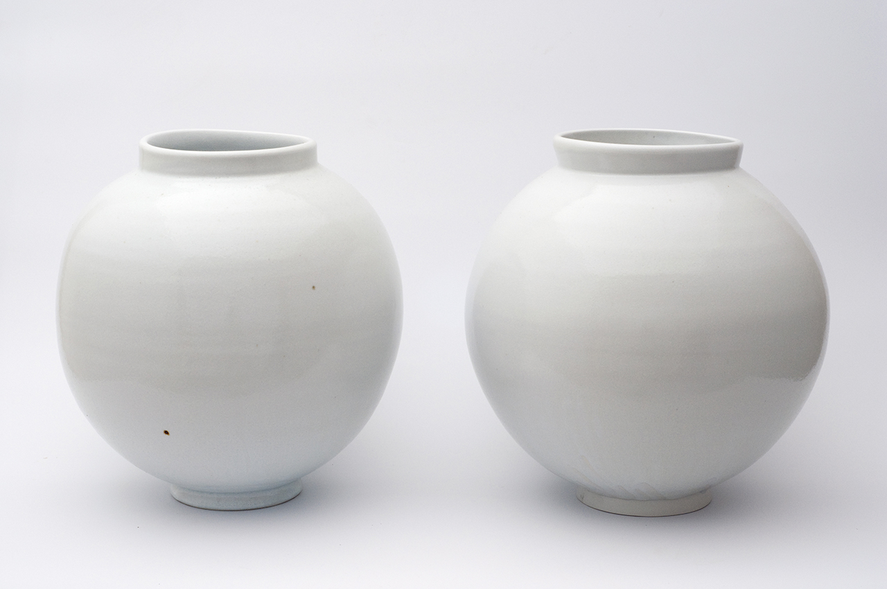 The Moon Jars The Art Of The Imperfection Dezainaa