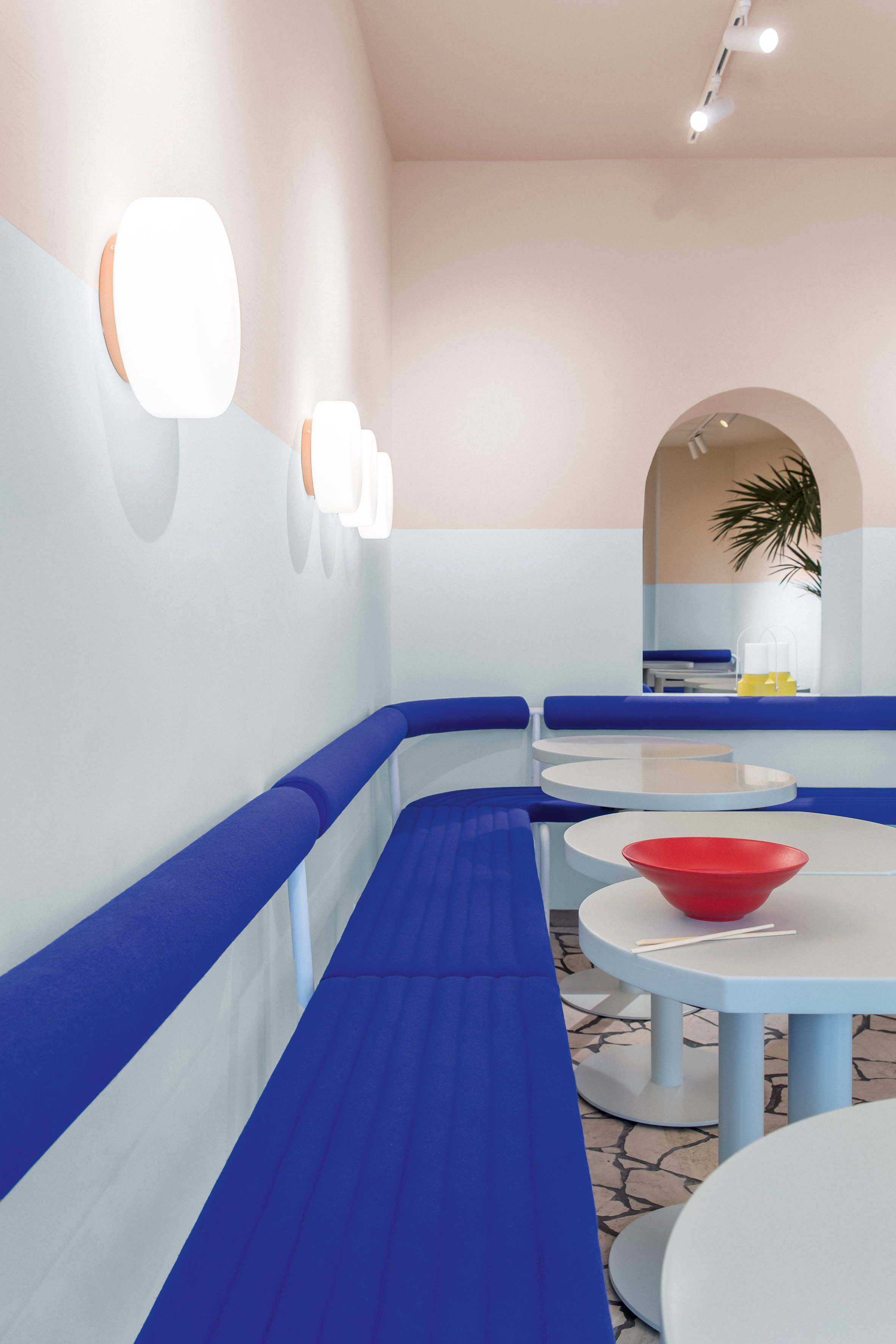 la-poke-restaurant-ester-bruzkus-interiors_dezainaa_1
