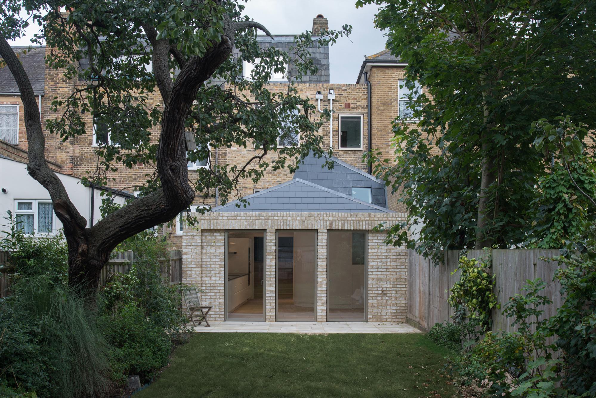 Terraced-House_08.jpg