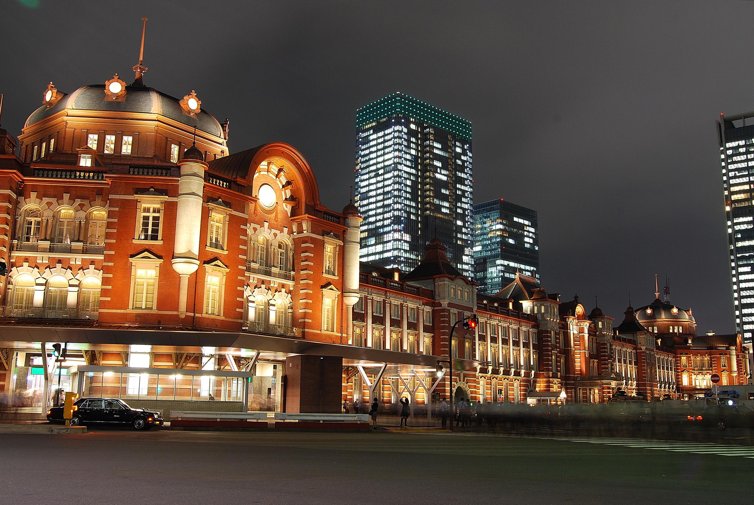 夜景的東京車站。© Toshinori baba