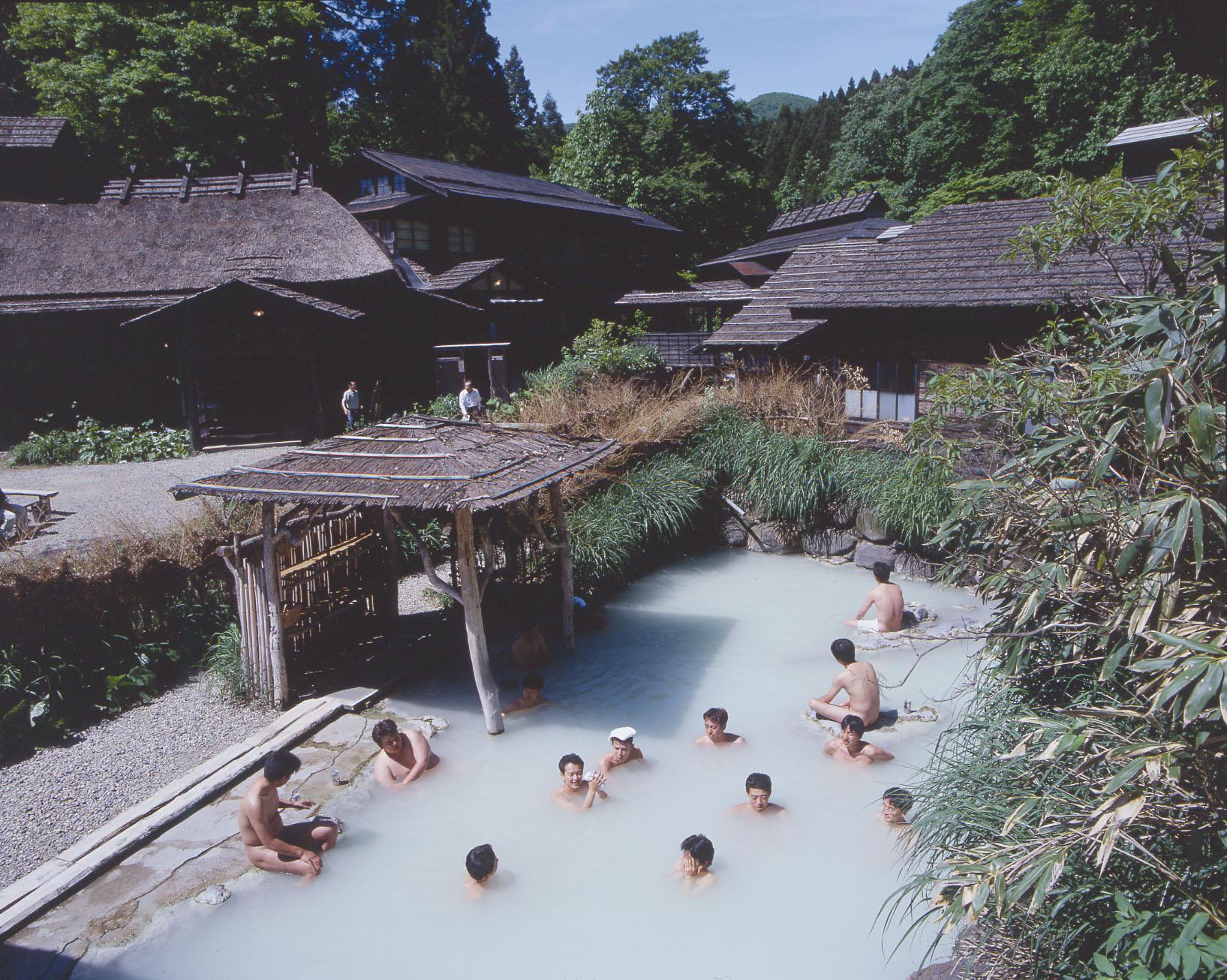 鶴の湯混浴露天.jpg