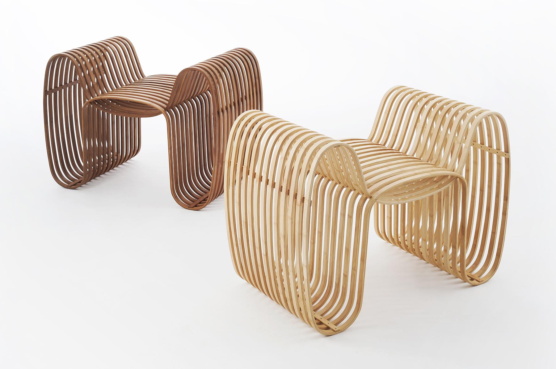 領結椅(Bow Tie Chair):將竹片大弧度烤彎,運用交錯手法建構出座椅空間。