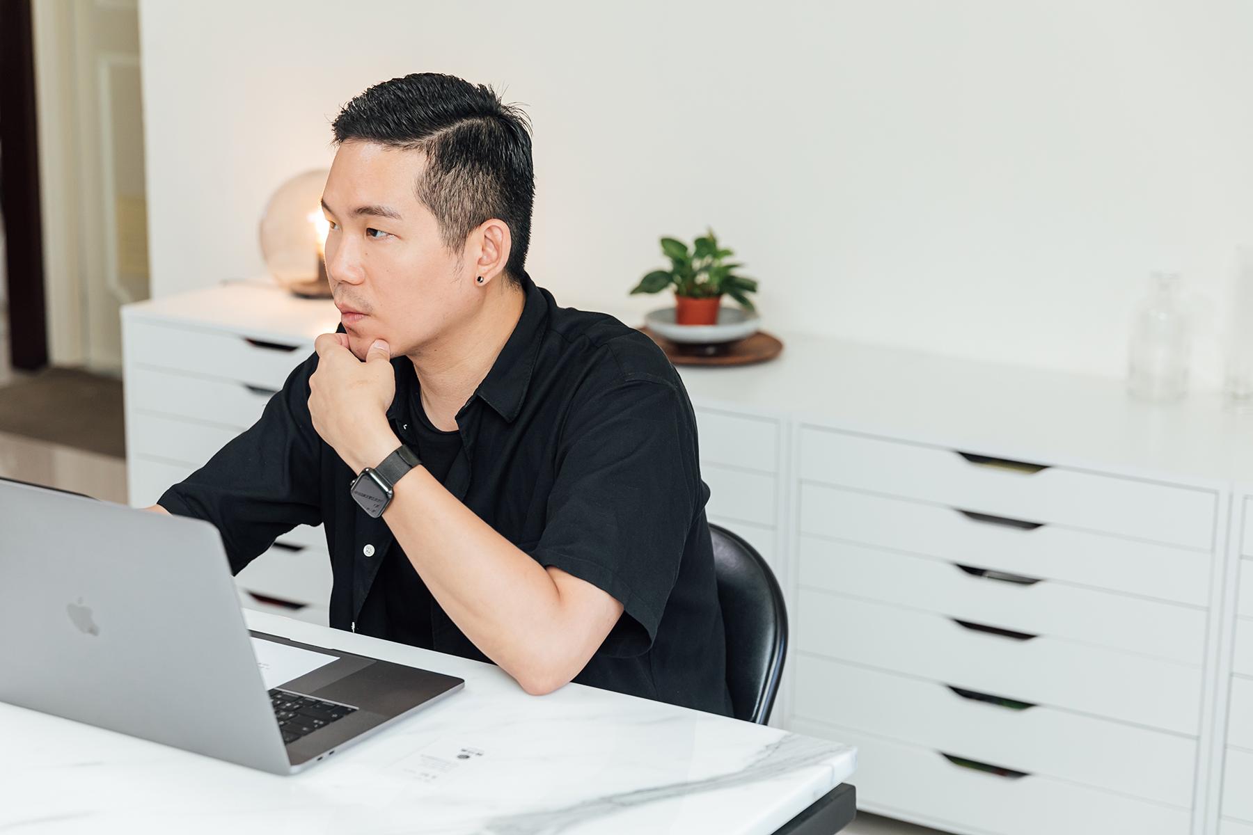 平面設計師顏伯駿操刀桃園隊新的視覺,成功將設計美學導入運動中。