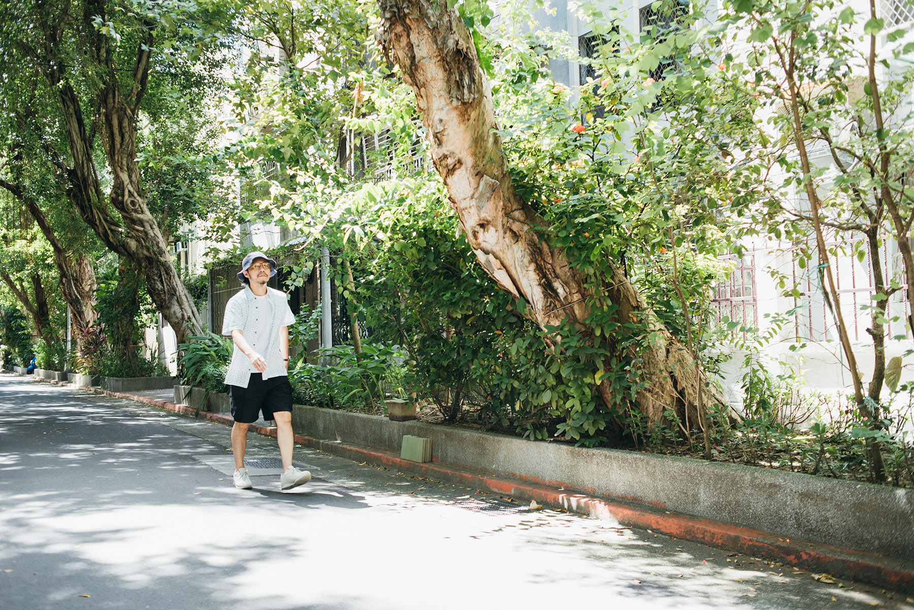 工作室「究方社」位於民生社區,街道上的綠意成為方序中散步發想不可或缺的要件。