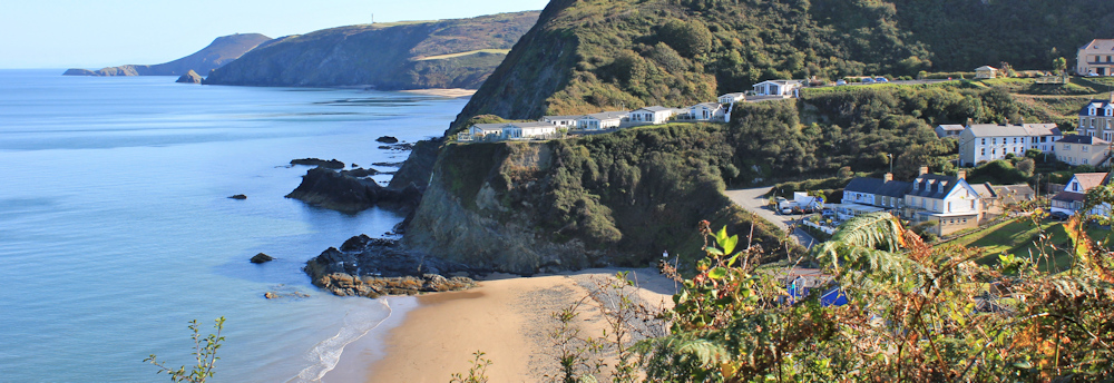 07-tresaith-beach-and-ceredigion-coast-path-ruth-hiking-in-wales.jpg