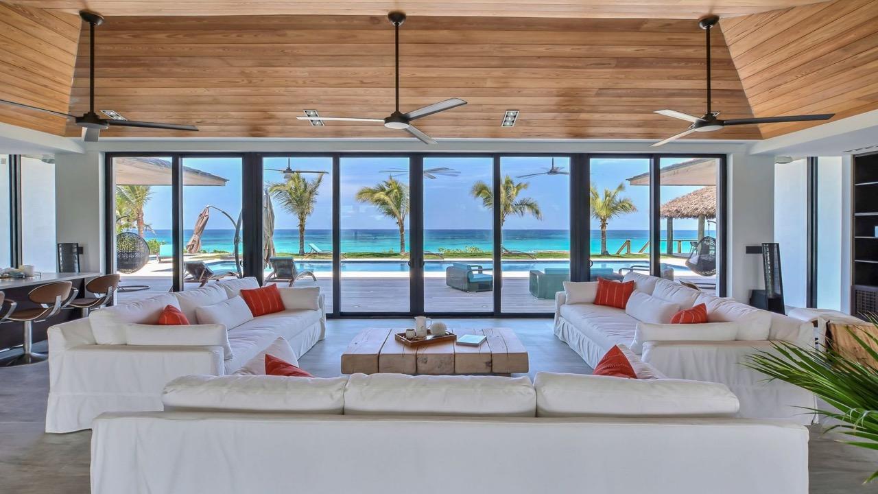 (4) livingroom view.jpg