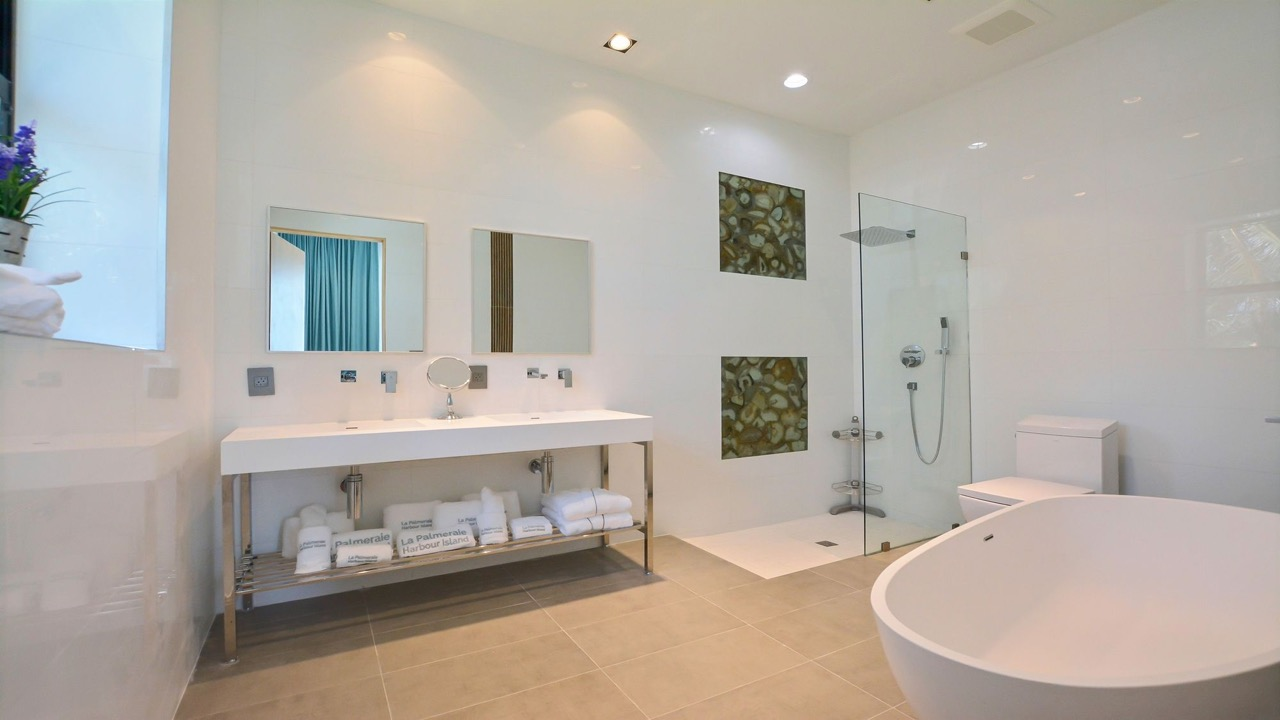 (23) master bathroom 1.jpg