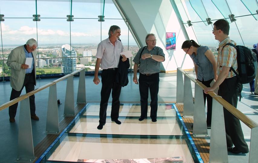 EIG2010_Dont_look_down.JPG
