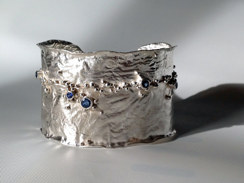 silver-cuff-reticulated-sapphires
