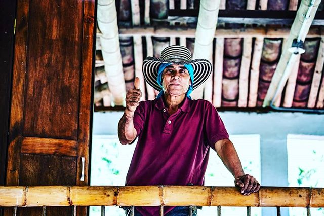 What a real Coffee farmer looks like, hard work for the juice of life. @parquedelcafeoficial #coffee #juiceoflife @luisfdiez @javalifeto #java #life #travelphotography #travellife #travel #coffeebean