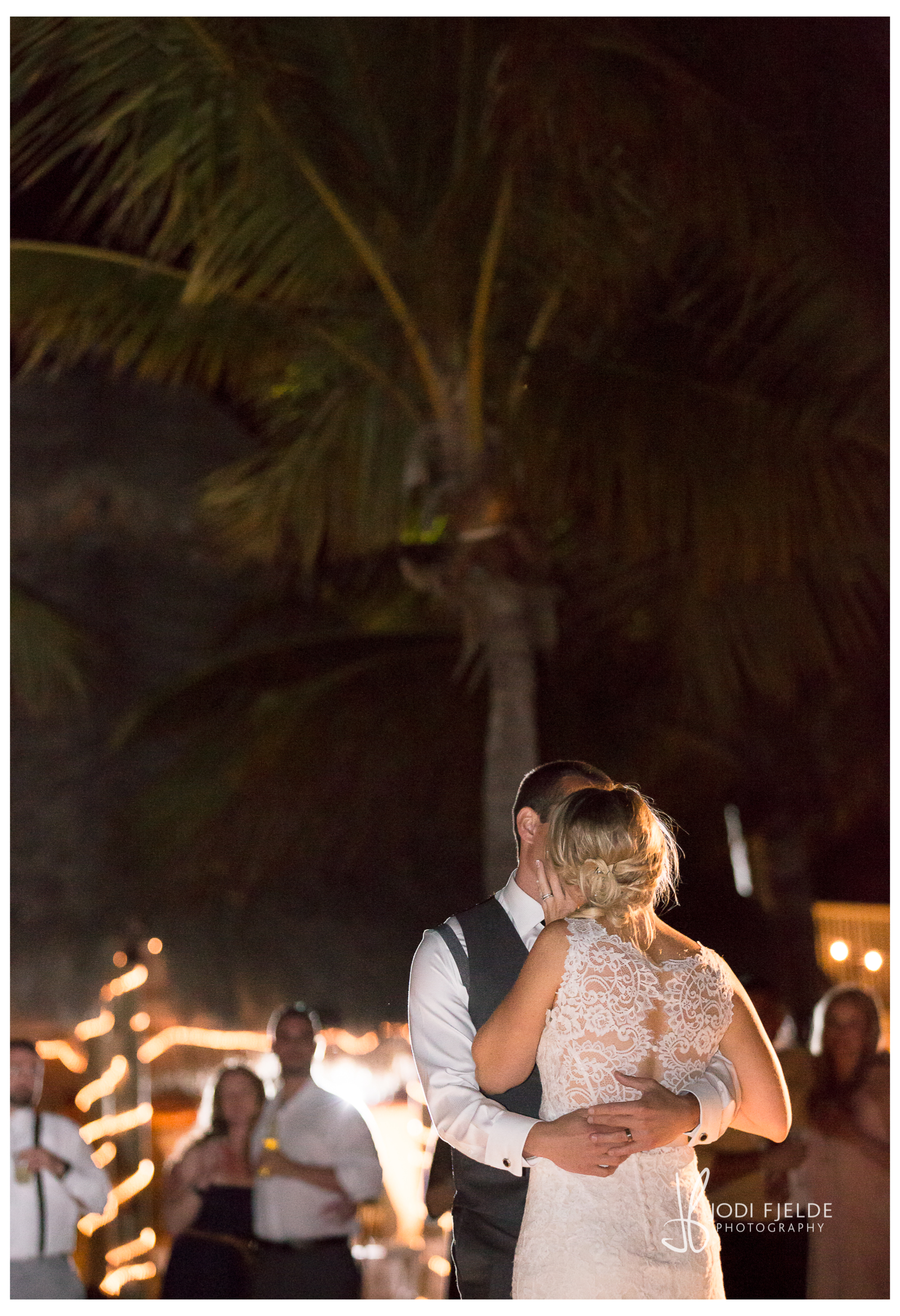 Cocconut_Cove_&_ Marina_ wedding_Kalie_and_Kurt  43-2.jpg
