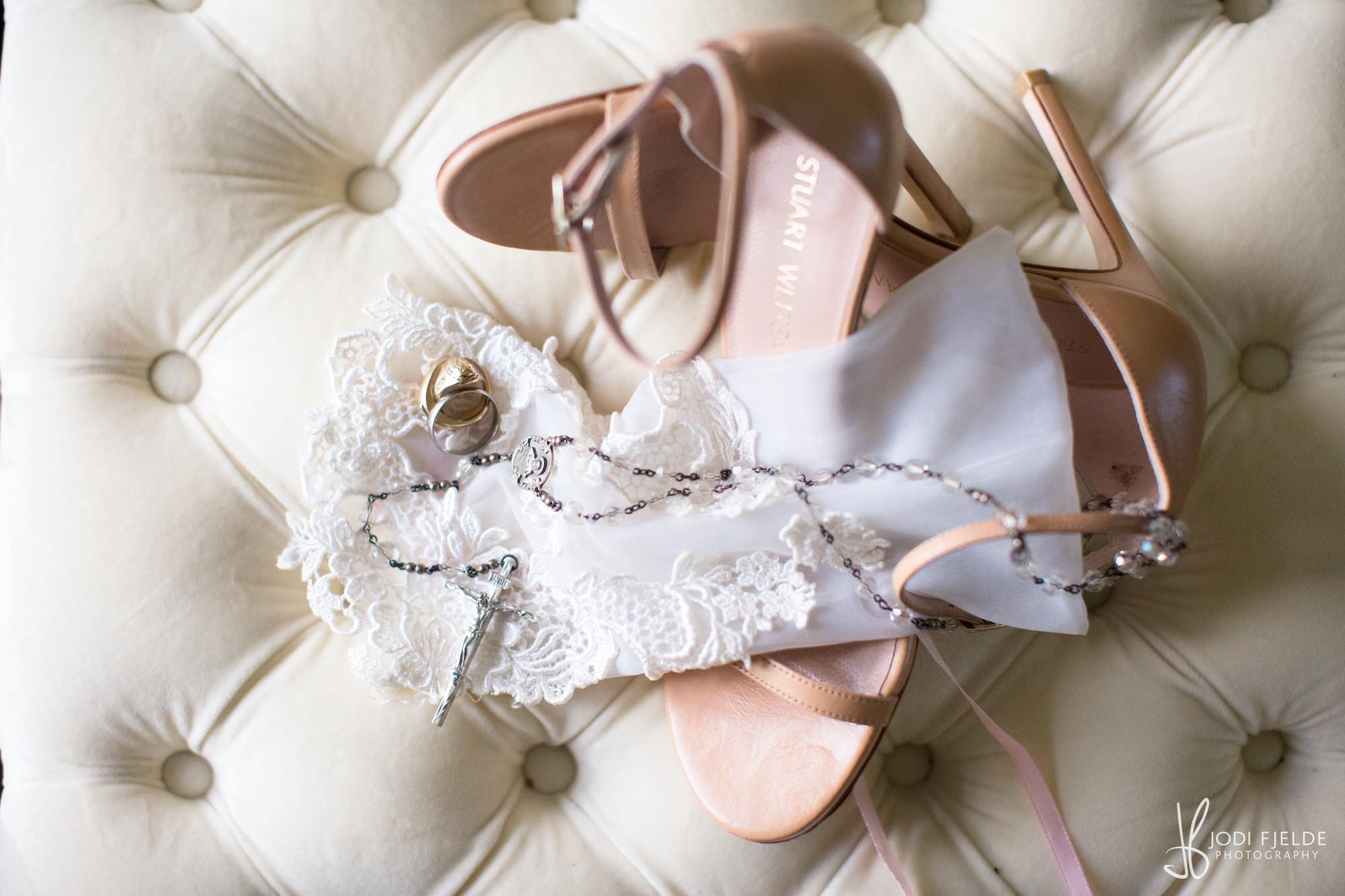 0006BRIDE-WEDDING-PREP.jpg