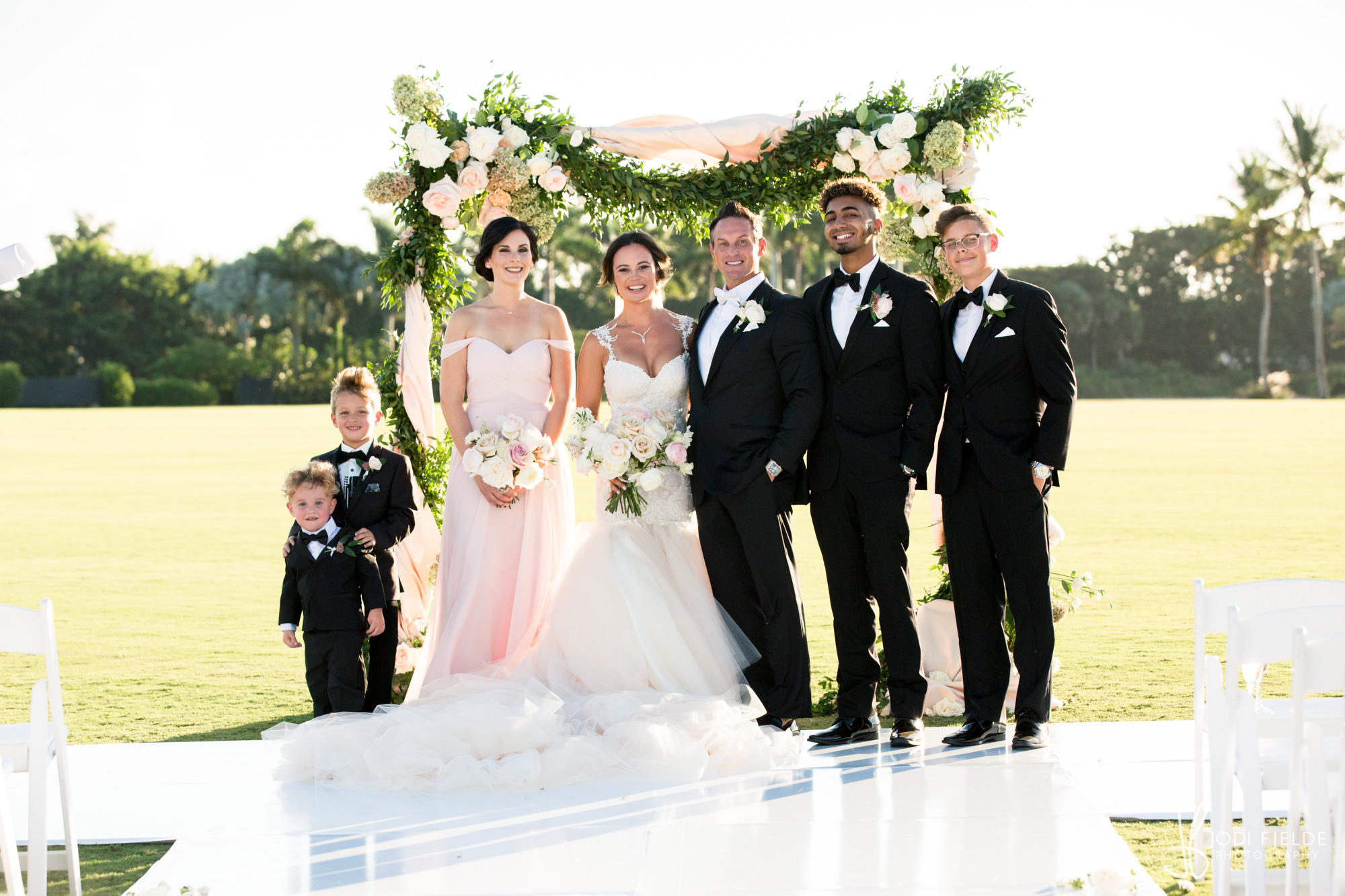 0001 WEDDING-PORTRAITS-INTERNATIONAL-POLO-CLUB.jpg