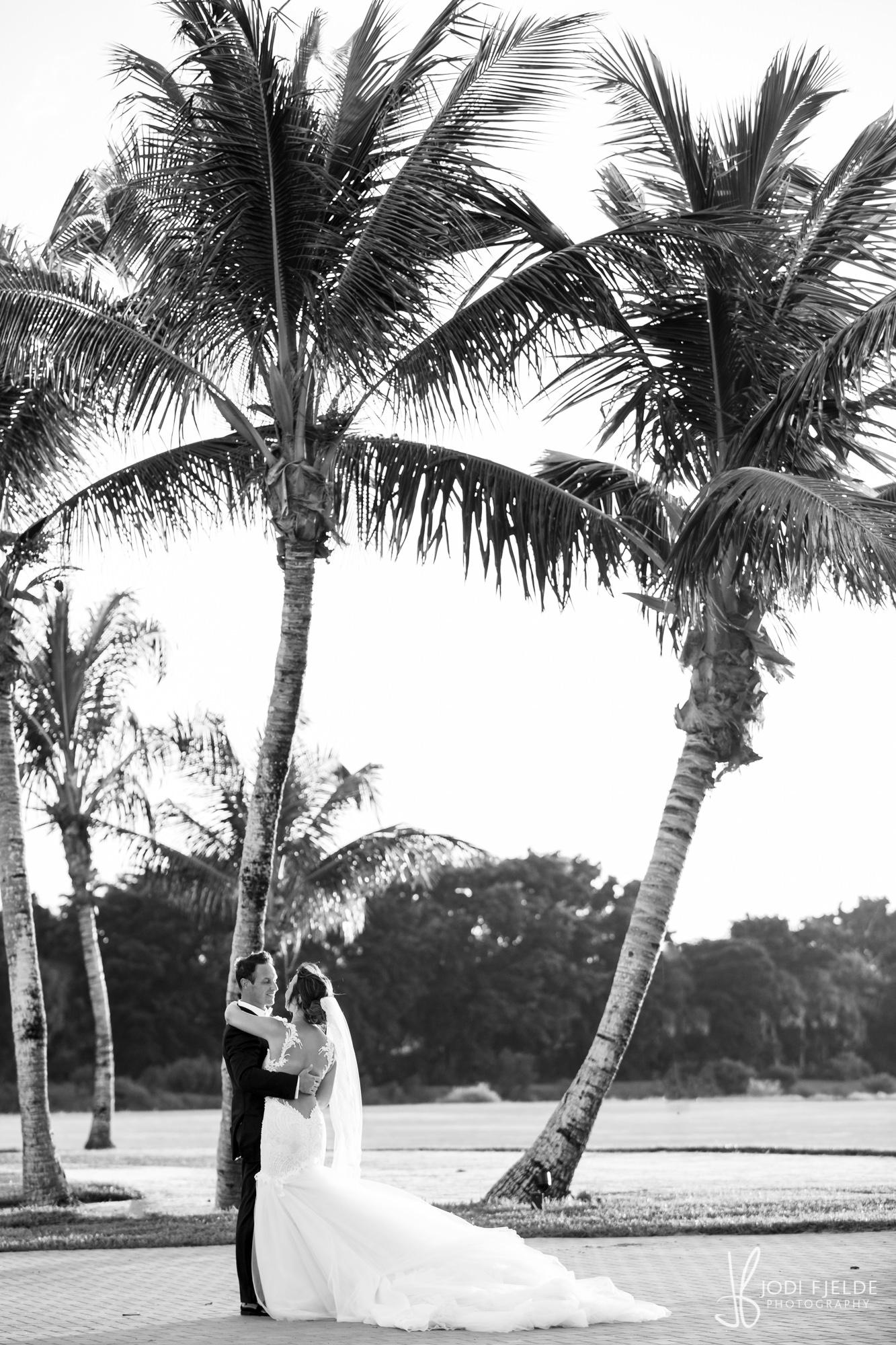 0027 WEDDING-PORTRAITS-INTERNATIONAL-POLO-CLUB.jpg