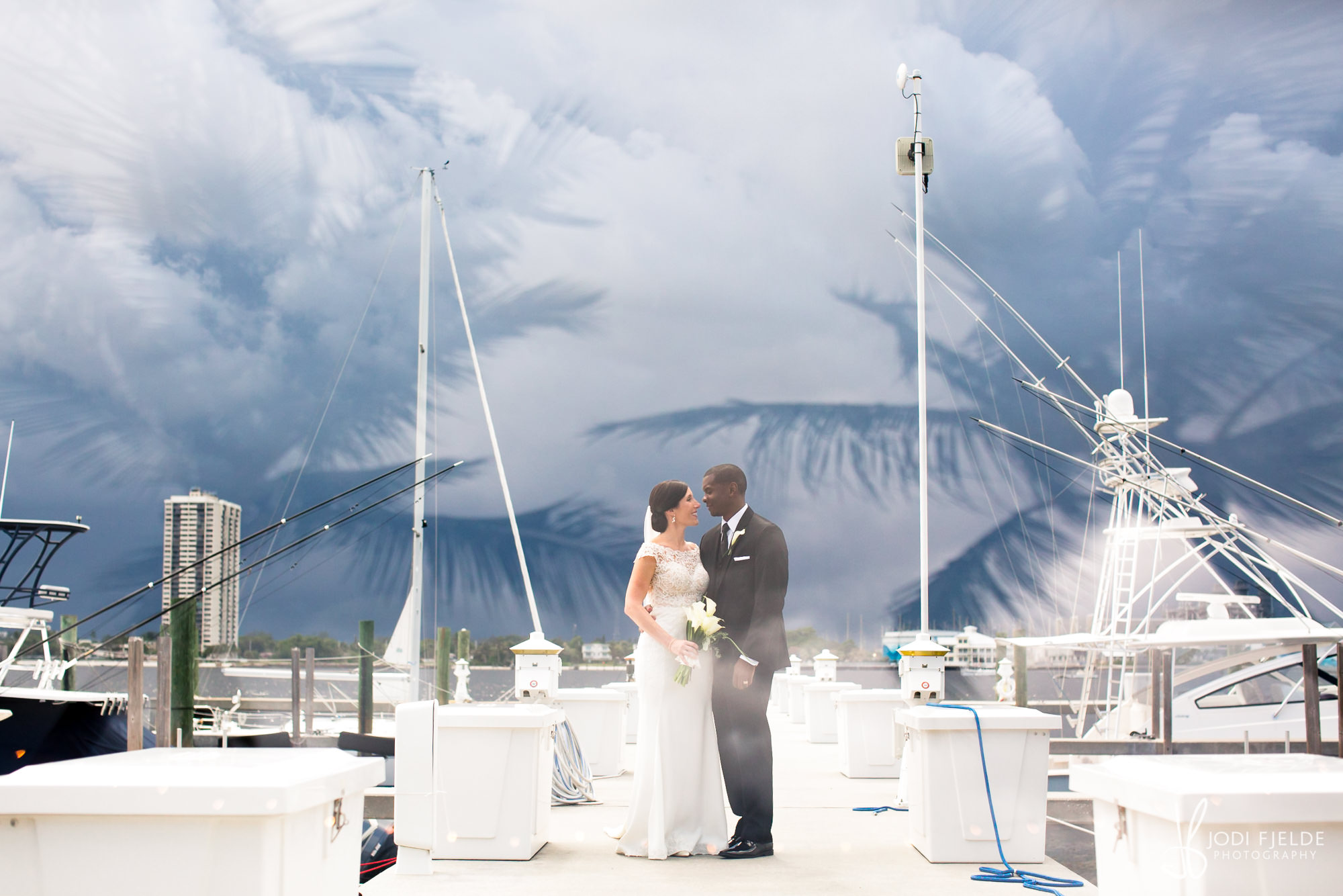 0001BRIDE-GROOM-SAILFISH-CLUB-FLORIDA.jpg