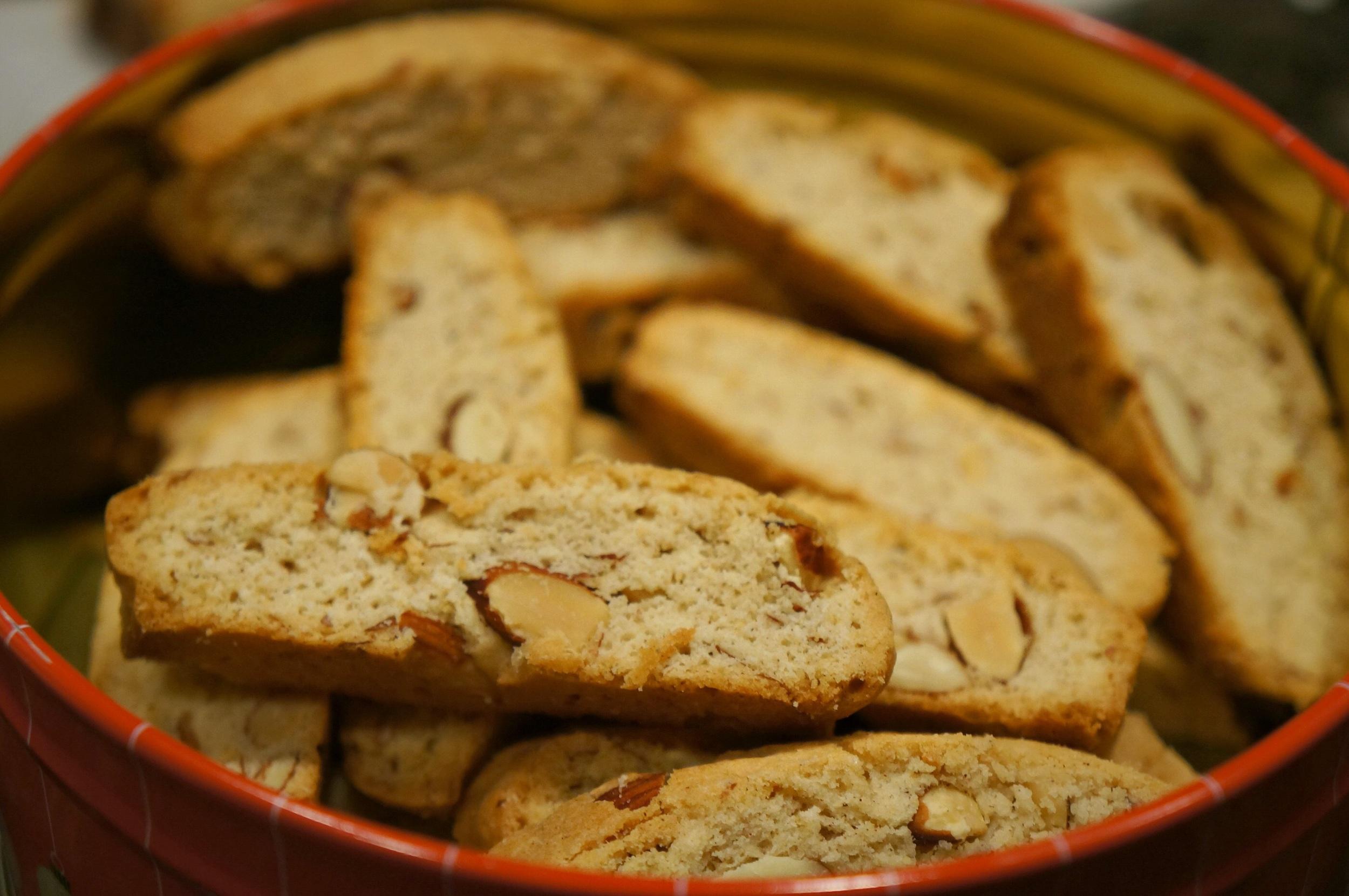 Vanilla almond biscotti. Heck. Yes.