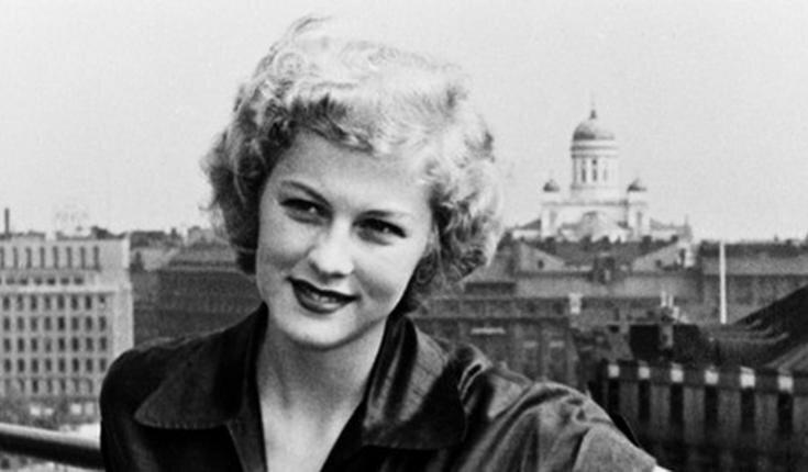 KUVA: HELSINGIN KAUPUNGINMUSEO / ARMI KUUSELA RAVINTOLA VAAKUNAN TERASSILLA 1952.