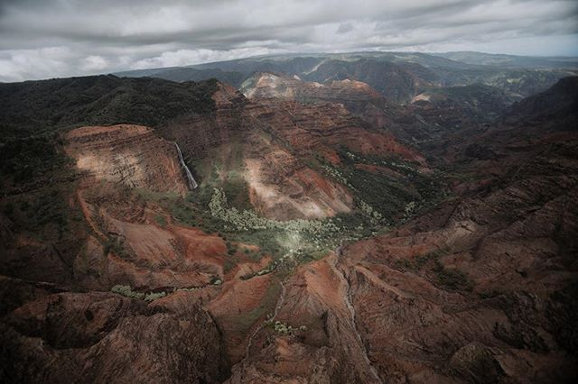 Waimea canyon from the top view #helicopter #kauai #waimeacanyon