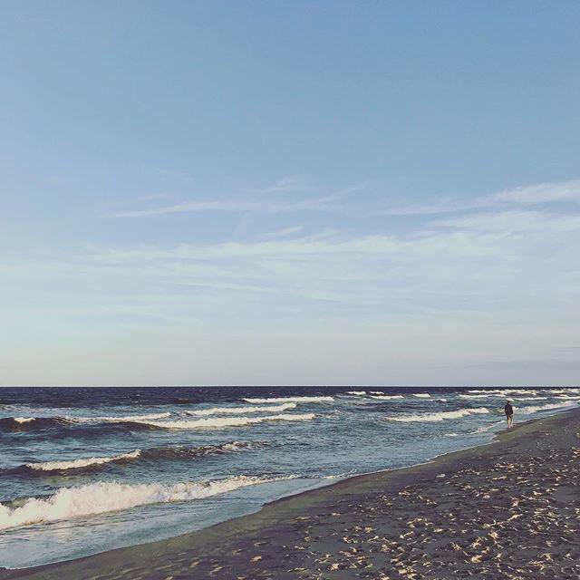 Perfect horizon . . . #horizon #atlantic #dorian #viaripa #seabright #nj #jerseyshore