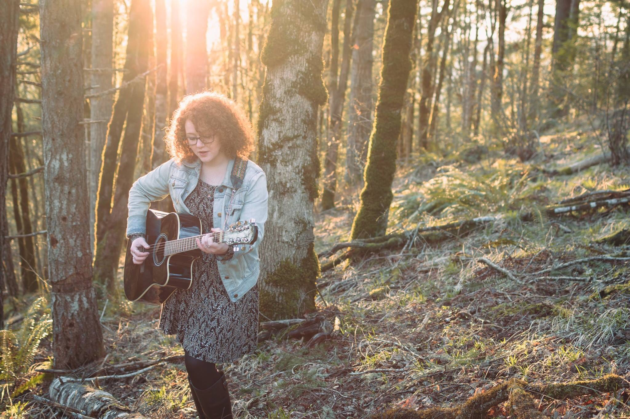 6pm -Rebecca McDade - The songs of this Scotland born & Oregon grown singer-songwriter take you all the way from Portland to Glasgow.