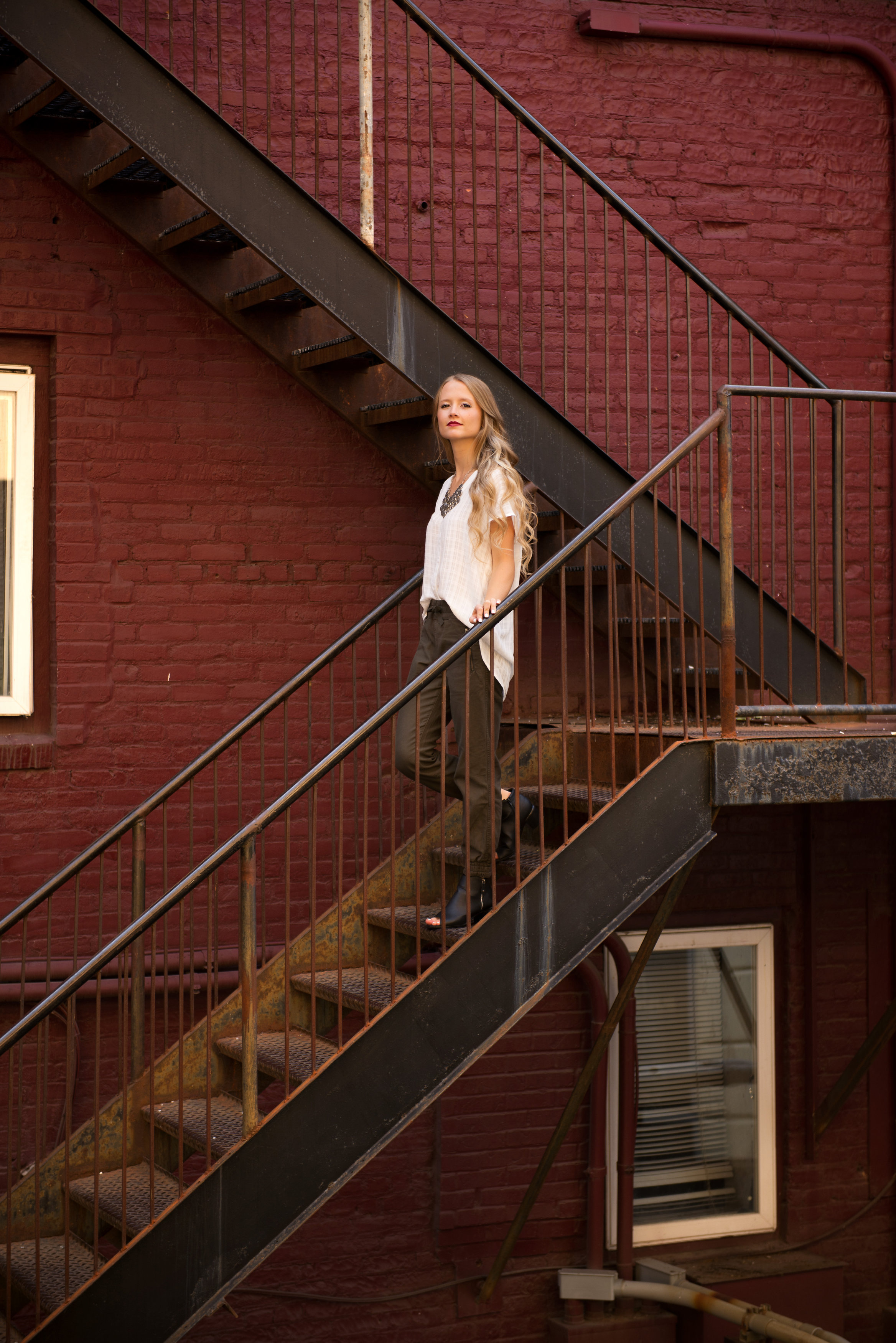 orlando-senior-girls-alley-stairs.jpg