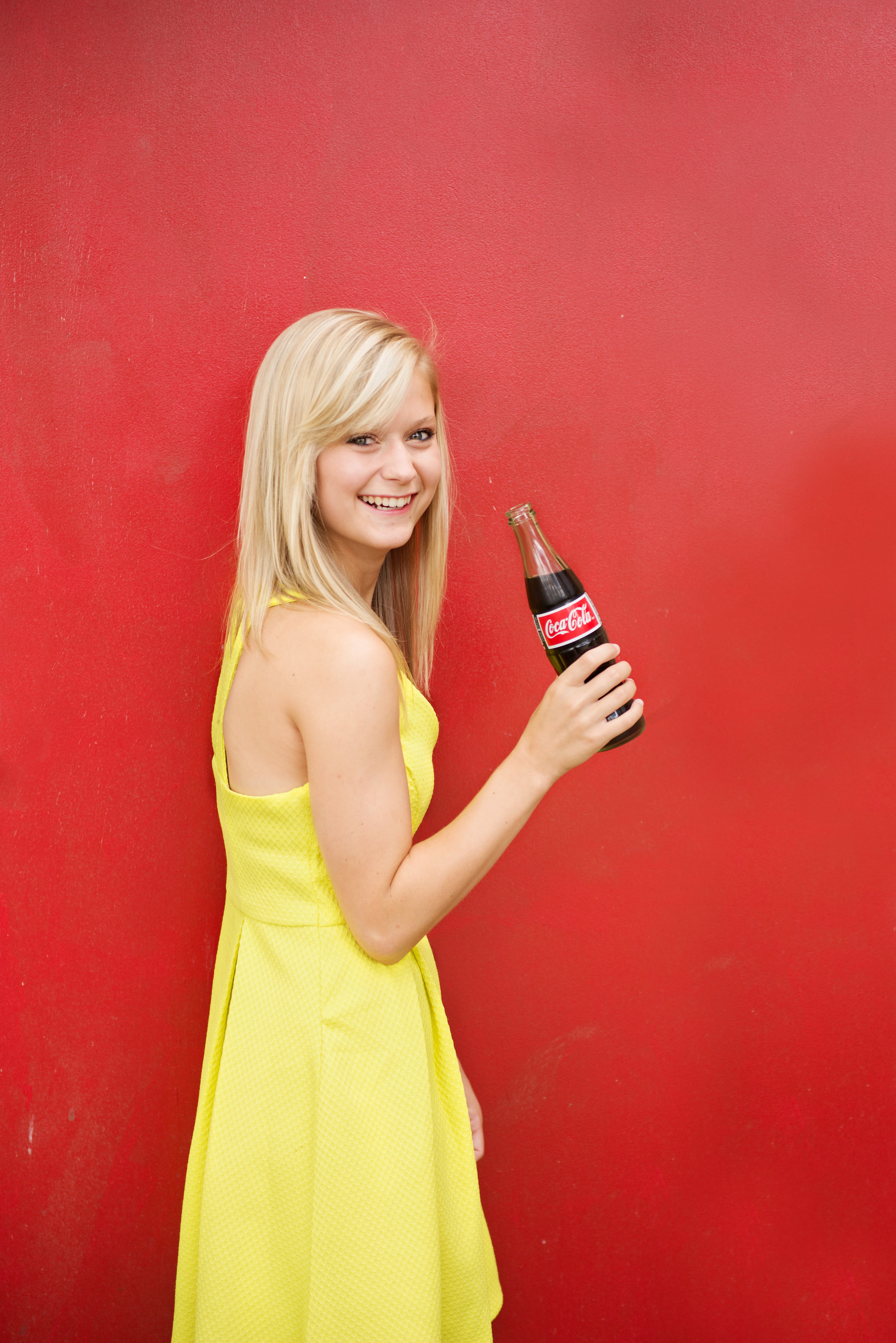 orlando-senior-girls-red-door-coke.jpg