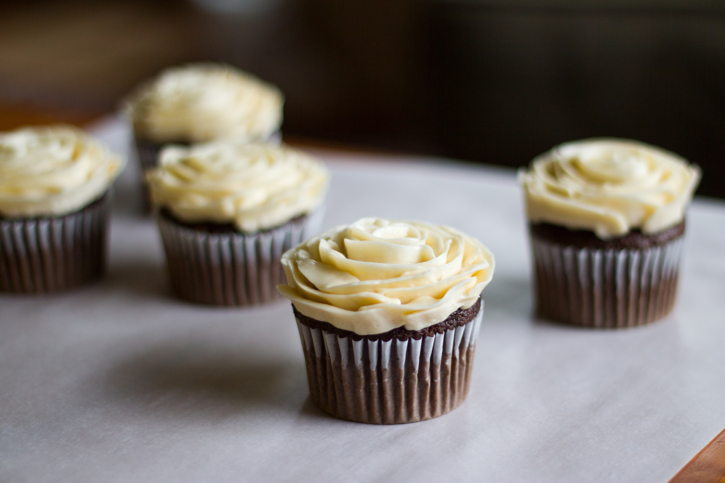 buttercream-rose-cupcakes.jpg