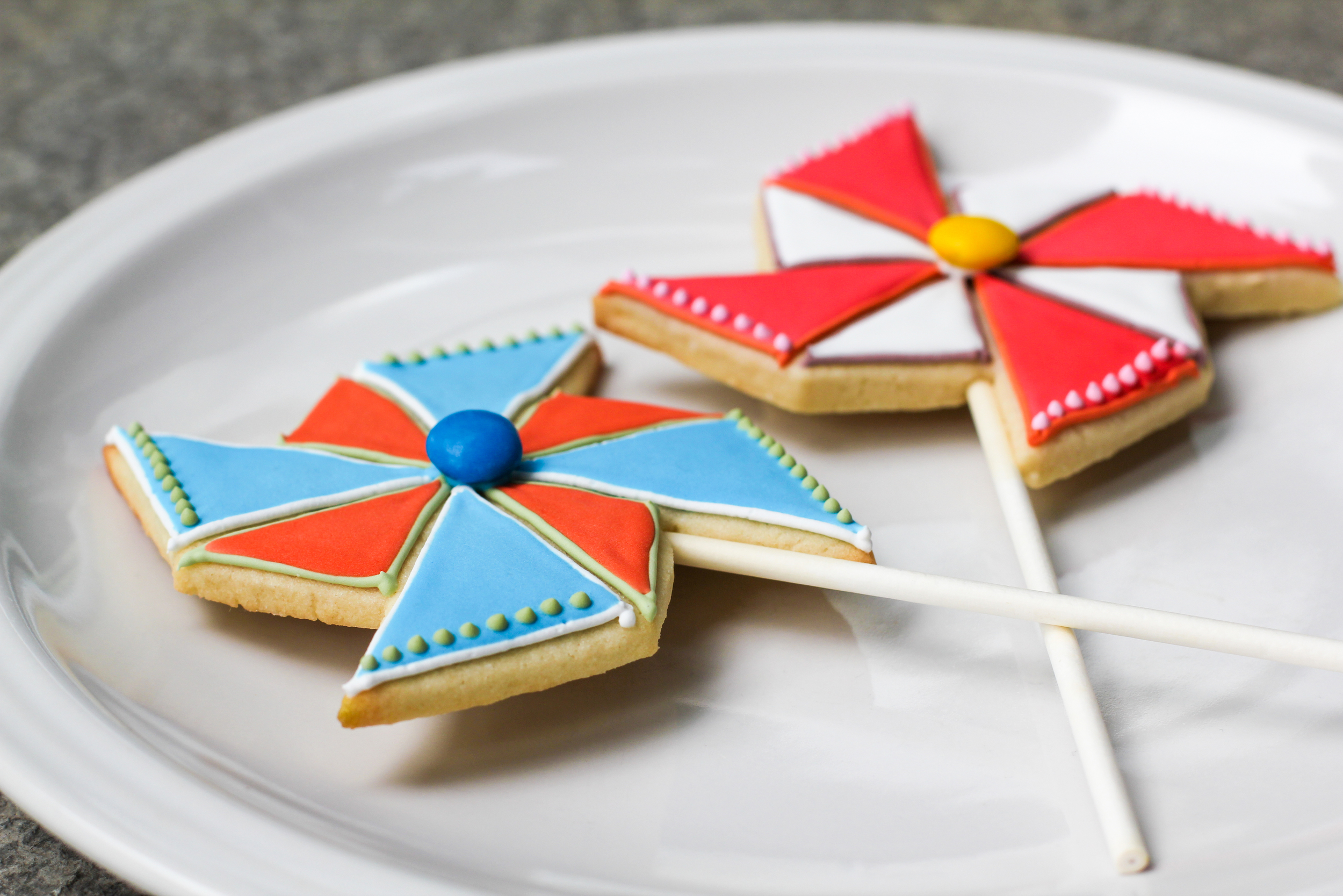 pinwheel-shaped-sugar-cookie-3.jpg