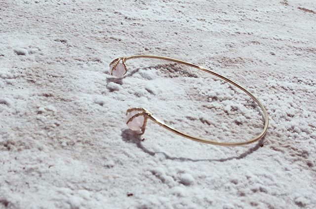 RAVEN Clavicle on salt flats in Cuatro Cienegas Mexico + Rose Quartz (heart stone). #mayasavagestudio