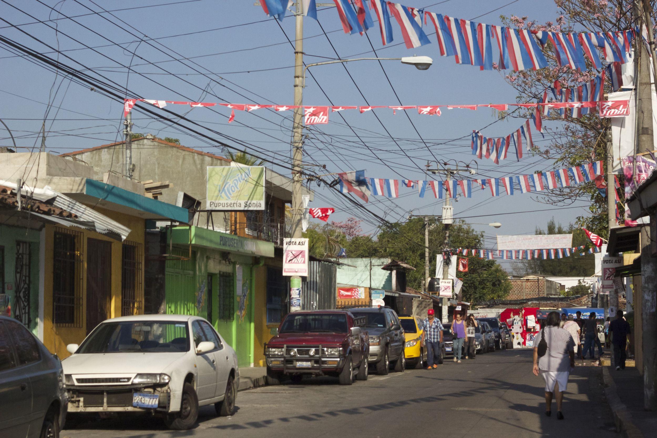 Competing Propaganda through ARENA and FMLN