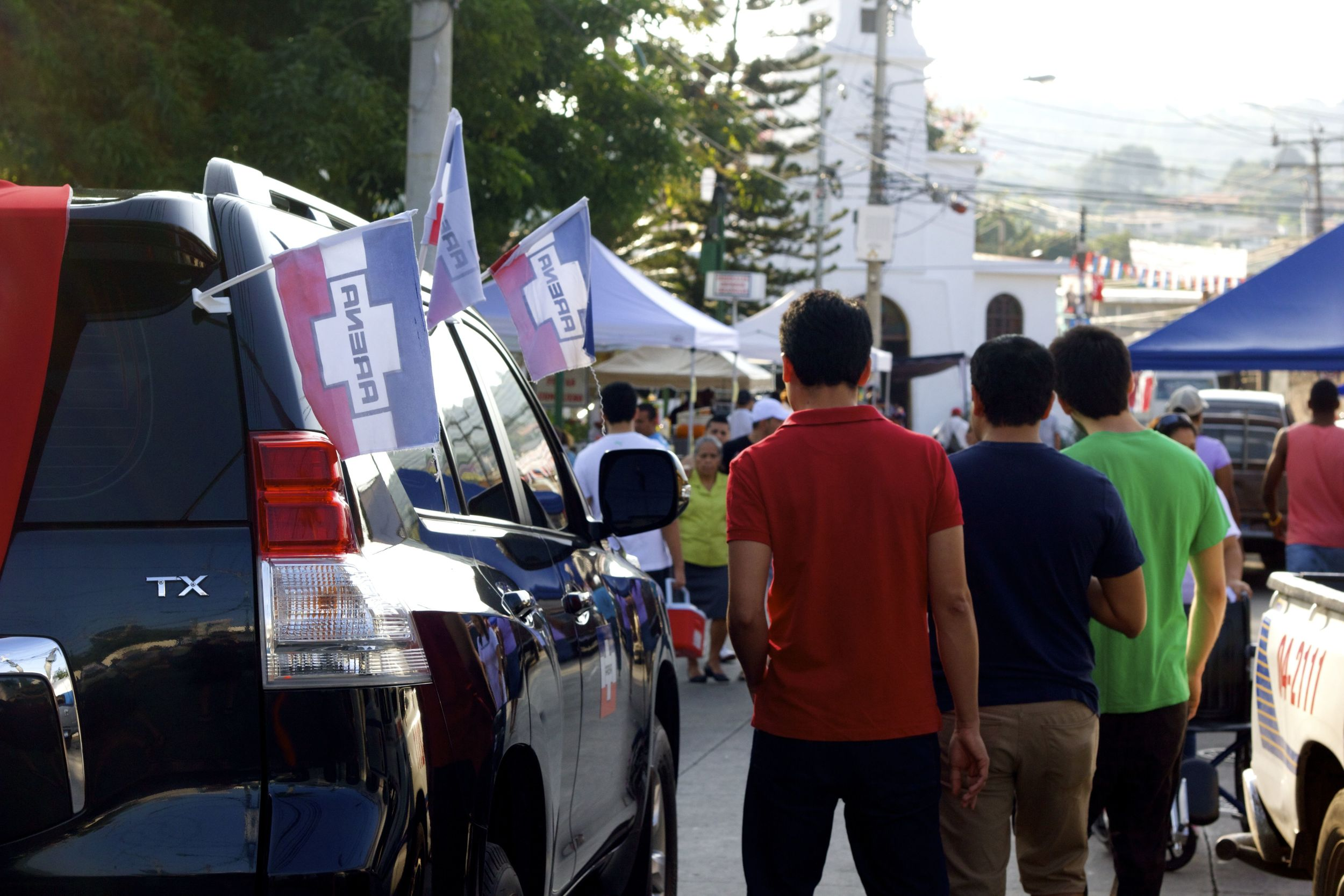 Youth defining a new El Salvador